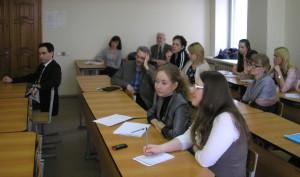 Преподаватели, аспиранты и студенты кафедры философии во время встречи с А.М. Дорожкиным